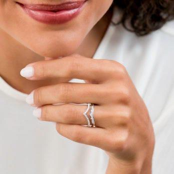 Diamond Jewelry Gifts Under $1,000
